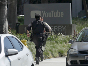 Fusillade sur la campus de Youtube